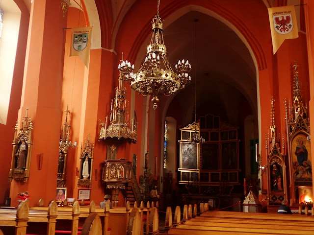 Wnętrze zielonogórskiej katedry św. Jadwigi