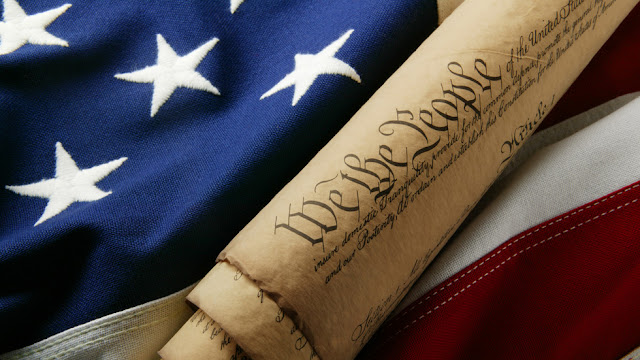 USA: Il prossimo passo è cancellare la Costituzione