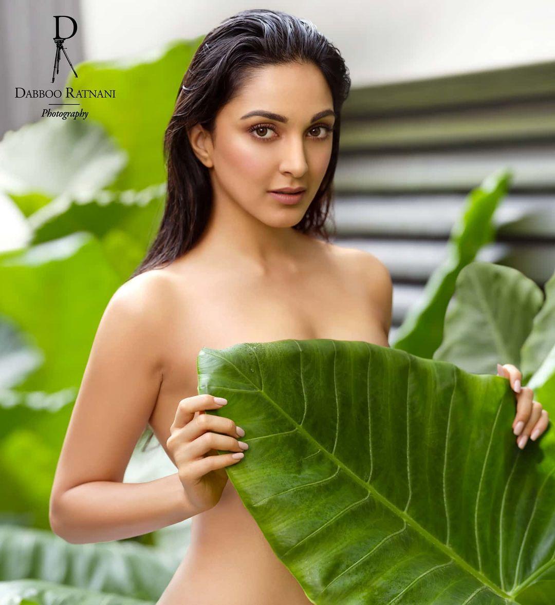 Kiara Advani top less photo