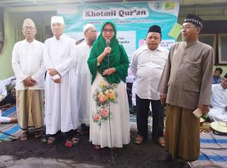 Wabup Indah Ikut  Membaca AL-Qur'an Bersama Santri