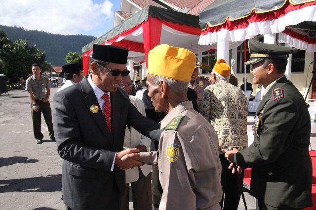 Plt Bupati Aceh Tengah Inspektur Upacara Hari Pahlawan di Takengon