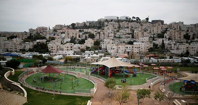 O primeiro-ministro israelense, Benjamin Netanyahu, disse na segunda-feira que estava discutindo com os Estados Unidos o projeto de anexar os assentamentos na Cisjordânia ocupada.