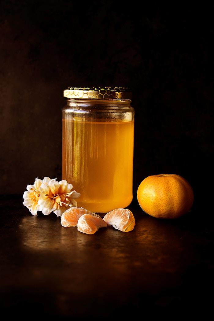 10 alimentos que no caducan y nunca deben faltar en tu despensa: miel