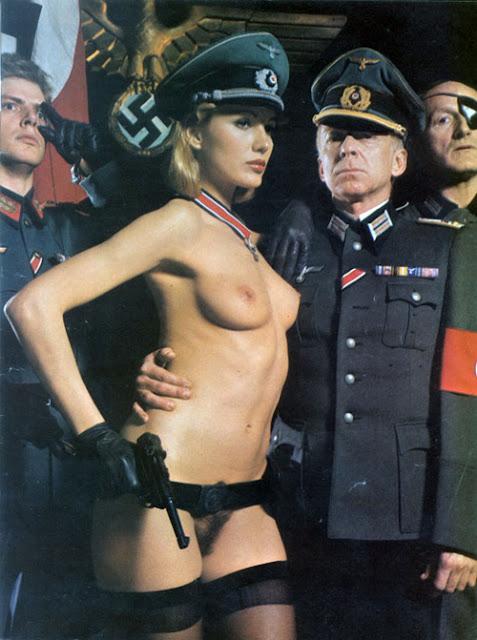 Чулках придрался порно фото в форме немецкой порно кончил