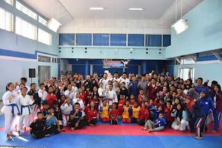 Wabup Ridho Buka Kejurwil Karate