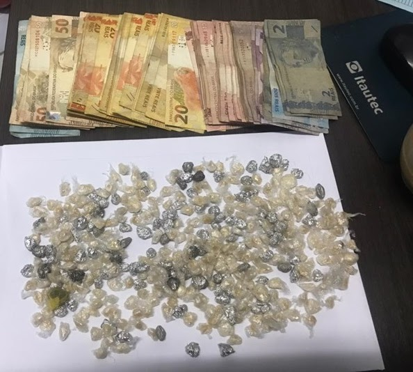 15º BPM: GRANDE APREENSÃO DE DROGAS E DINHEIRO NA CIDADE DE BOM LUGAR, MA