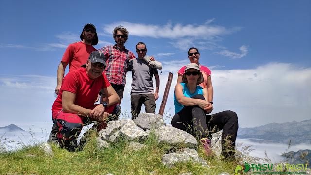 Cima del Pico Zorru, Ponga