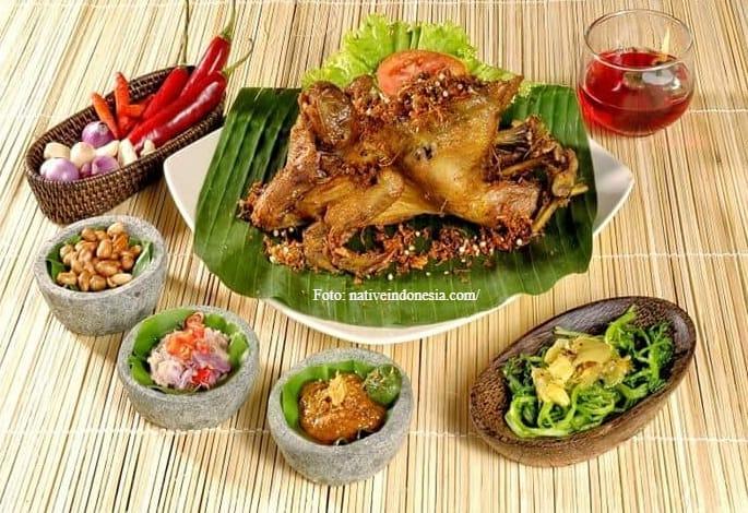 Menikmati Lezatnya Ayam Betutu Khas Bali
