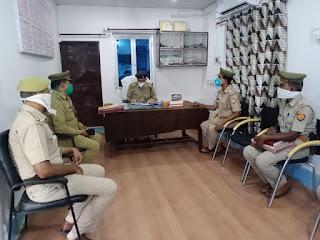 कोतवाली कोंच में महिला उत्पीडन सम्बन्धी अभियोगों की विवेचनाओं के निस्तारण सम्बन्धी दिशा-निर्देश दिए -ASP जालौन                                                                                                                                                                         संवाददाता, Journalist Anil Prabhakar.                                                                                                   www.upviral24.in