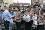 Polsek Medan Helvetia Berikan Tali Asih Pada Korban Kebakaran