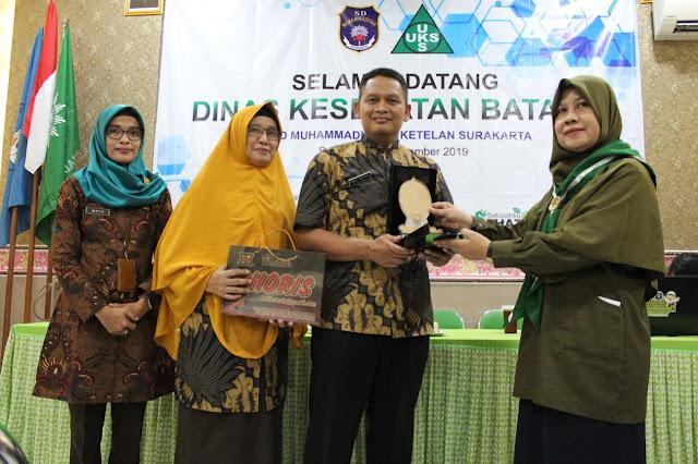 Jadi Sekolah Percontohan, Dinas Kesehatan Batang Kaji Banding ke SD Muhammadiyah 1 Ketelan
