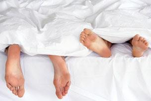 Chuyện thầm kín: Vợ bệnh, chồng phải kiêng?