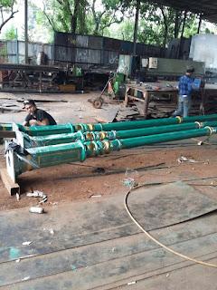 Proses Pembuatan Tiang Lampu PJU Antik di bengkel