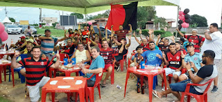 http://vnoticia.com.br/noticia/4153-torcida-do-flamengo-em-sao-francisco-comemora-a-conquista-da-libertadores