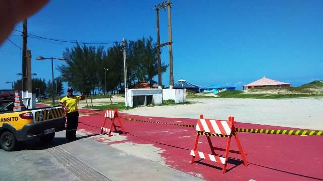 Central de monitoramento 24 horas fiscaliza entrada de ônibus e vans de excursão  na Ilha Comprida