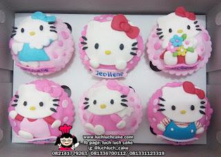 Cupcake Ulang Tahun Fondant 2d Hello Kitty
