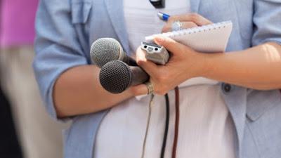 Οι δημοσιογράφοι-μούτσοι και ακόμη χειρότερα