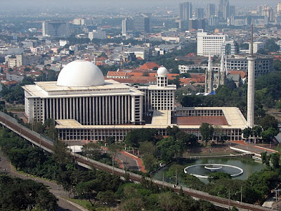 Masjid Terbesar di Indonesia