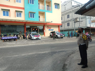 Jumat Berkah Polres Lingga bersama TNI dan Satpol PP lakukan Operasi Yustisi dan berikan Masker