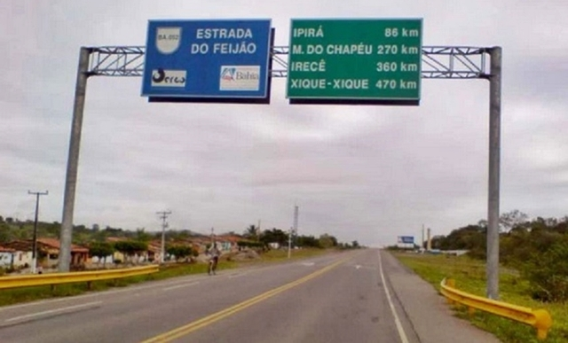 Bandidos, armados, aterrorizaram quem passava na noite desta segunda-feira (2/9) pela BA-052 (Estrada do Feijão)