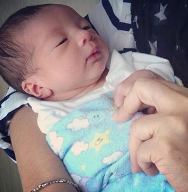 Woww! Gambar Terkini Anak Ketiga Linda Rafar Dan Syed Aiman Yang Terlajak Comel