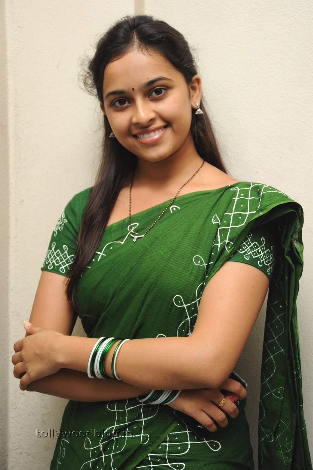 Actress Sri Divya Photos: Mallela Theeramlo Sirimalle Puvvu Heroine Sri Divya Photos