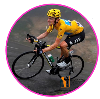 Aplikasi yang paling dikenal adalah pakaian atletik (berenang, bersepeda, berlari) di mana poliuretan spandex menjadi bahan pilihan bagi atlet berkinerja tinggi.