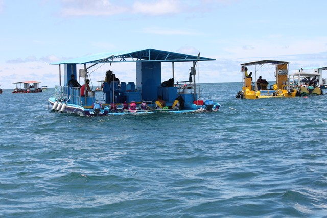 Diving and snorkling glass bottom boat