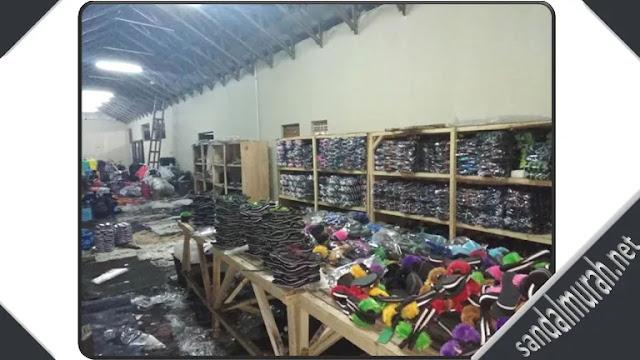 ruangan pabrik sandal