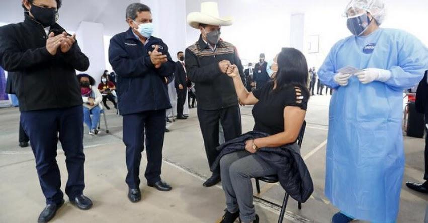 Carrera docente debe ser repotenciada profesional, académica y laboralmente, sostuvo el Presidente Pedro Castillos