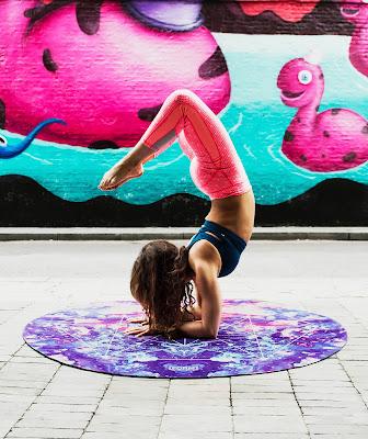 Extreme Yoga poses Injures Osteoporotic bone | Healthbiztips