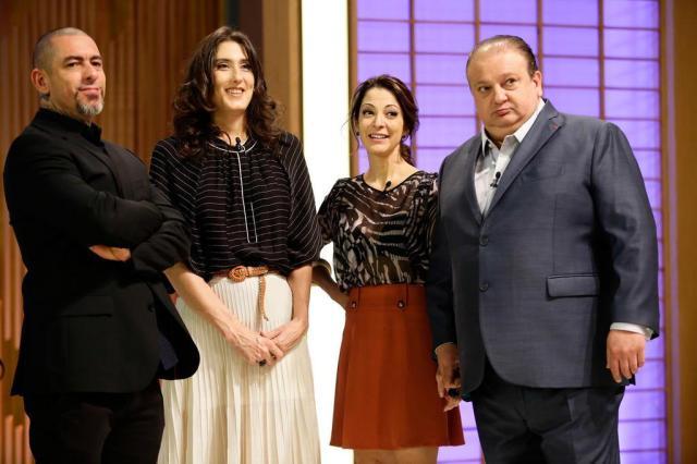 Masterchef Brasil terceira temporada com os jurados: Henrique Fogaça, Paola Carosella e Eric Jacquin (Foto: Carol Gherardi / Band,divulgação)