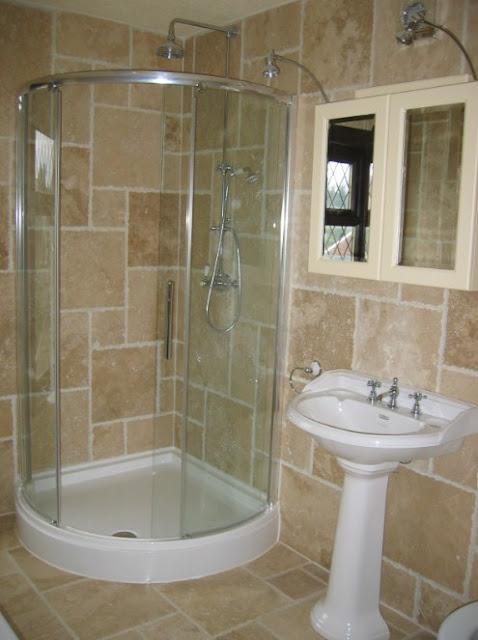 gambar kamar mandi ukuran kecil minimalis