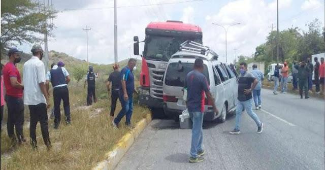 2 Muertos dejó accidente en Lara entre dos vehículos que terminaron vueltos ñoña