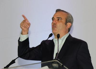 Lo que respondió Luis Abinader a Carlos Amarante Baret