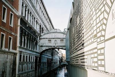 Мостът в стил Барок