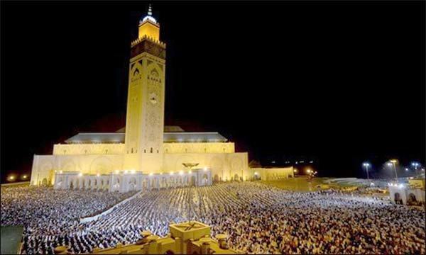 إغلاق أبواب المساجد سواء بالنسبة للصلوات الخمس أو صلاة الجمعة