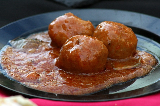 Mexican Meat Balls in Enchilada Sauce