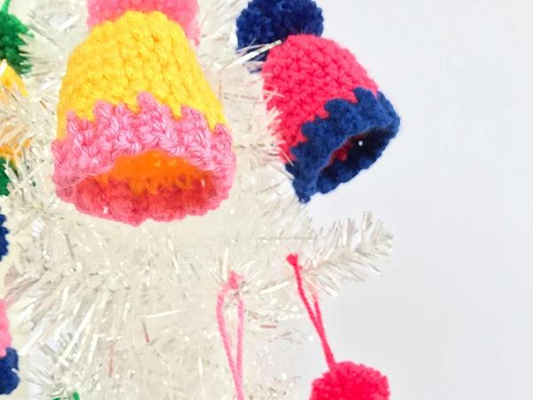 Crochet Christmas Ornaments - Mini Pom Pom Beanies Free Pattern