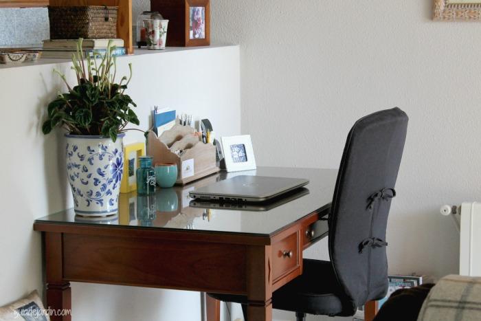 Ideas para decorar con tillandsias guia de jardin - Integrar escritorio en salon ...