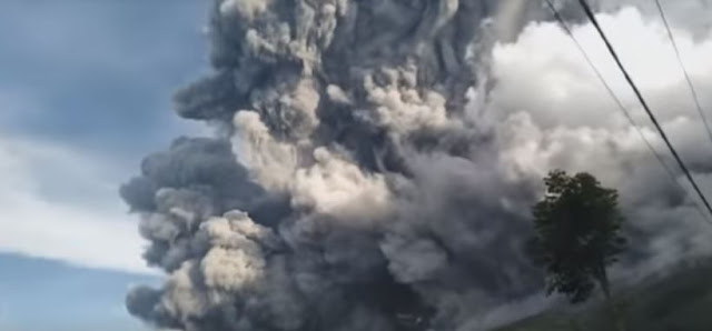 Hujan Abu Vulkanik Erupsi Gunung Sinabung Sampai Ke 3 Kabupaten Aceh