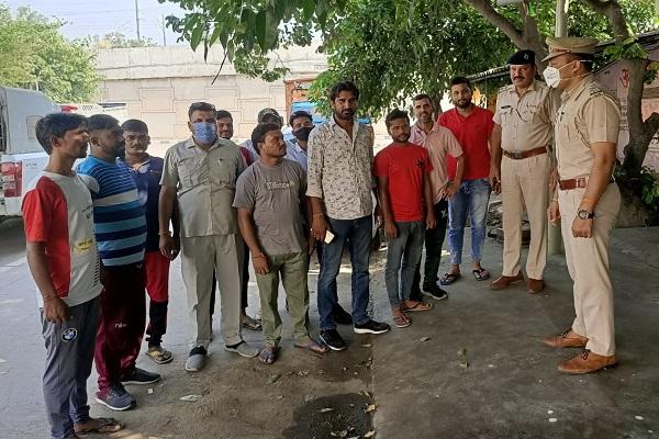 faridabad-traffic-police-awareness-lane-driving