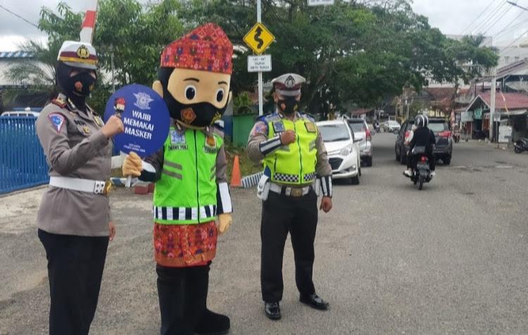 Sat Lantas Polres Muara Enim launching Badut Maskot Mang PDK