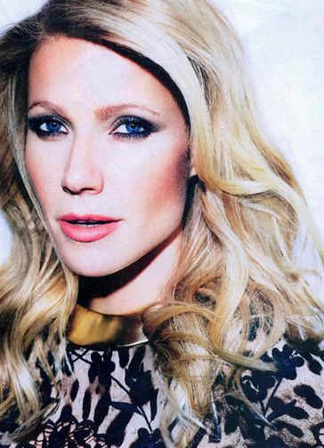 gwyneth paltrow smokey eyes makeup long curly hair