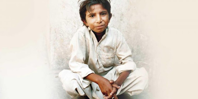 Οι γονείς του τον πούλησαν για 200 ευρώ, ξεσκέπασε τη «μαφία των χαλιών» και δολοφονήθηκε στα 12 του χρόνια