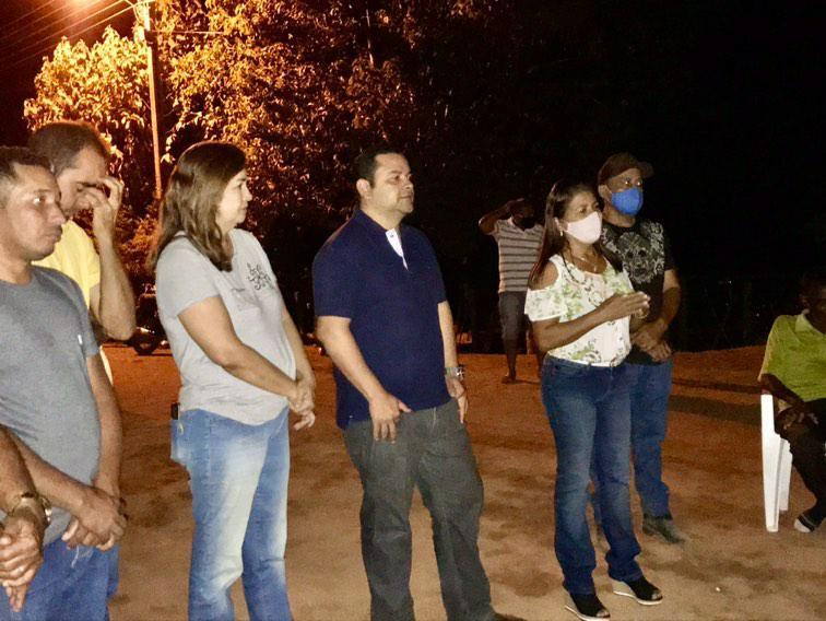 """""""Vamos concentrar esforços para gerar emprego aos nossos jovens"""", diz Vinícius Louro em reunião com moradores do Morro dos Caboclos"""