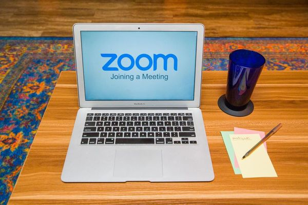 باحثون أمنيون يكتشفون ثغرات أمنية خطيرة في منصة Zoom