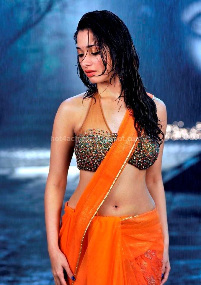 Tamanna Hot Navel Show in Racha