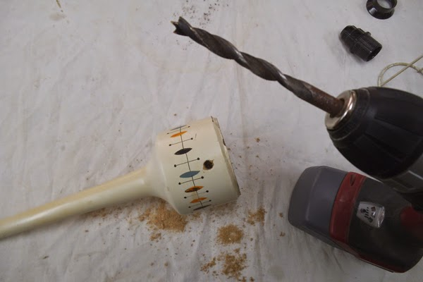 1unik In Action Mandorla Table Lamp