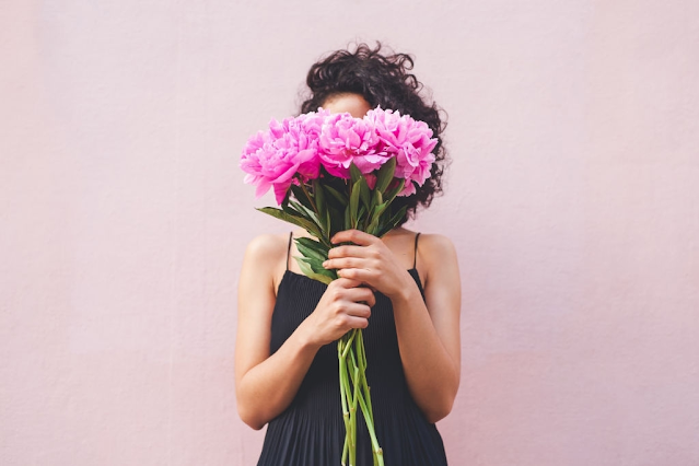 Surprising Benefits of Sending Flowers to a Loved One